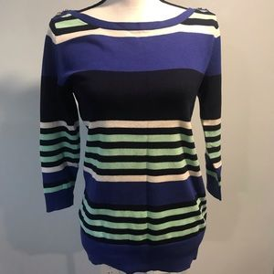 Gap Sweater - size M  Blue and green color